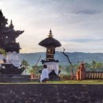 Balinese religion: the meaning of Padmasana shrines